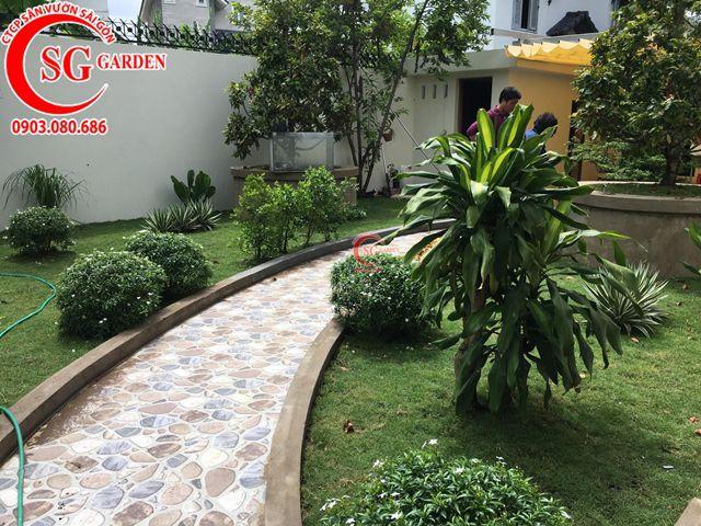 Hoàn Thành Sân Vườn Biệt Thự Anh Hùng Quận 2 10