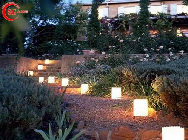 đèn trang trí sân vườn 11