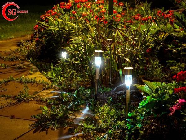 đèn trang trí sân vườn 18