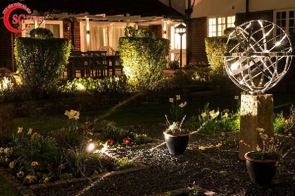 đèn trang trí sân vườn 1